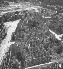 Berlin 1945 2.jpg
